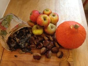 Trompettes de la mortes, pommes, marrons